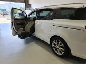 2019-Kia-Carnival-Mobility-Modification-6