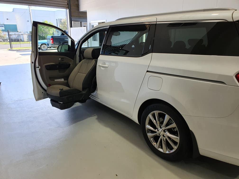 2019-Kia-Carnival-Mobility-Modification-6